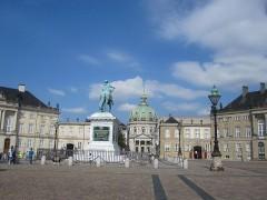 アマリエンボー宮殿とフレデリクス教会