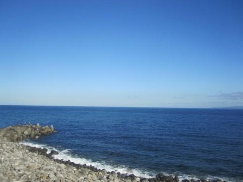 海が広がる