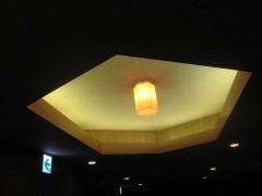 天井の装飾も六角形