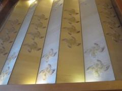 花にも蝶にも見える壁画