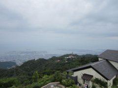 眼下には神戸の街