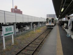 阿字ヶ浦駅行きの列車がやってきた