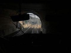 新青山トンネルへ
