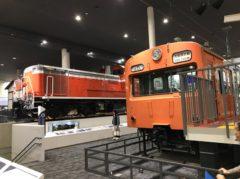 103系電車とディーゼル機関車DD51形