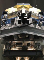 電気機関車EF66形35号機を下から見上げる