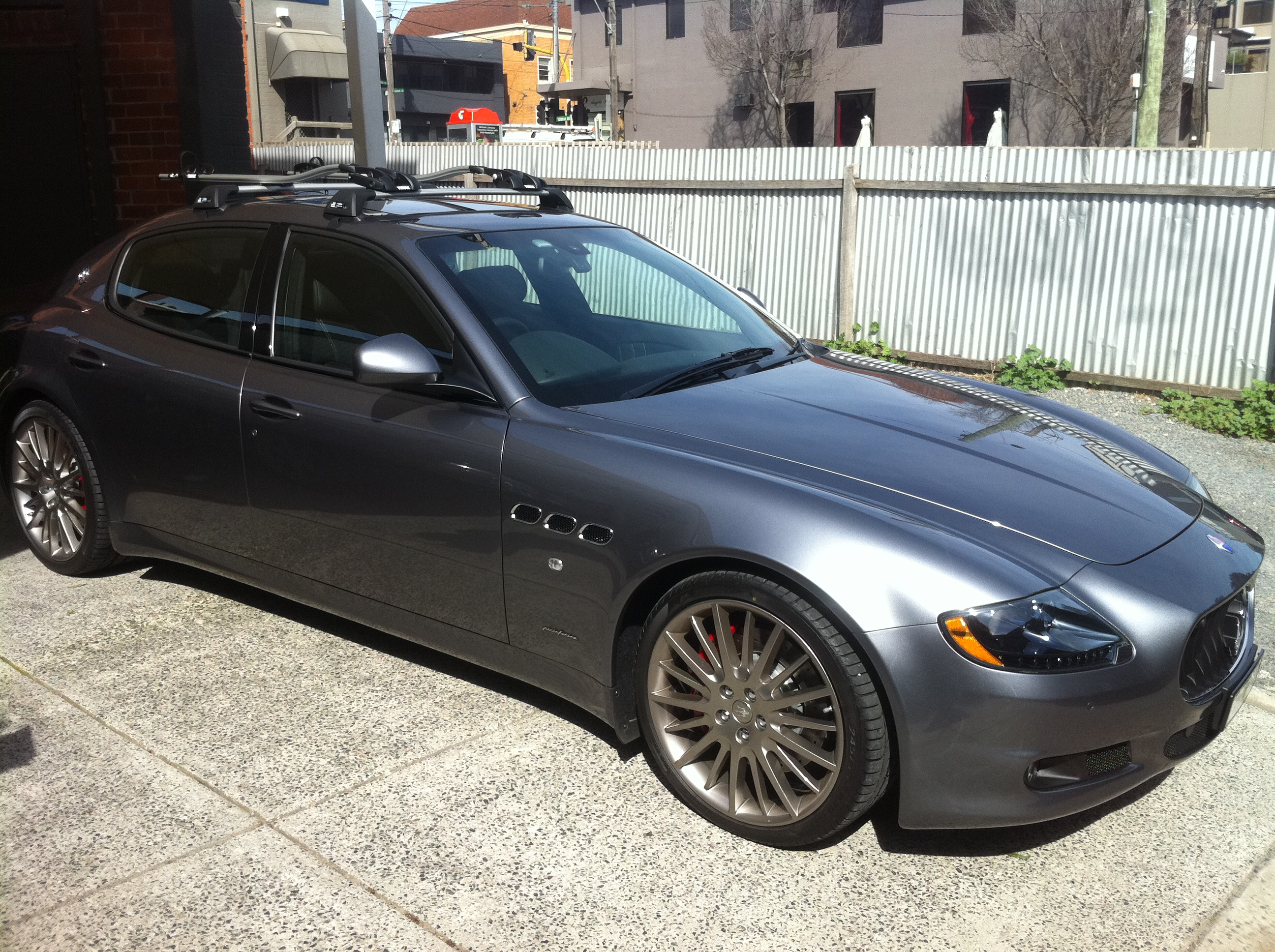 Maserati Quattroporte With Roof Racks