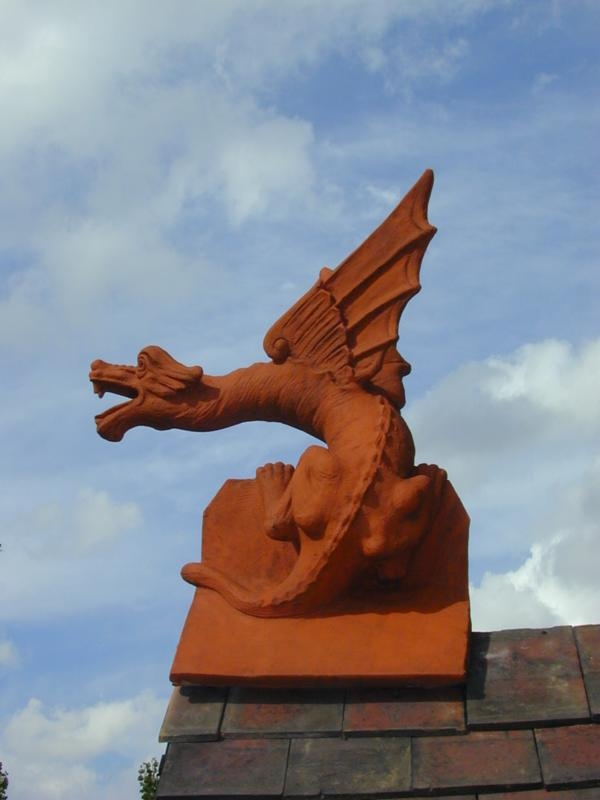 Roof dragon finial