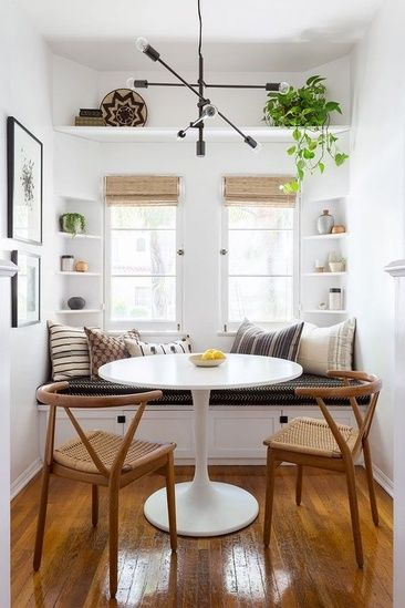 Wishbone Chairs, Tulip Table