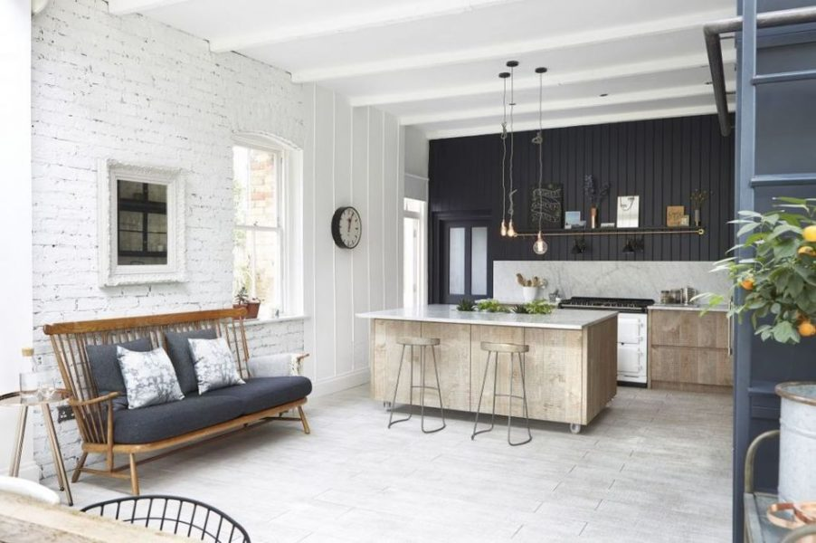 gallery-1484939149-black-shiplap-kitchen-jj-media