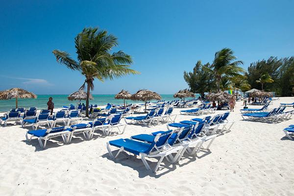 Valentines Day Bahamas Vacation At Viva Wyndham Fortuna