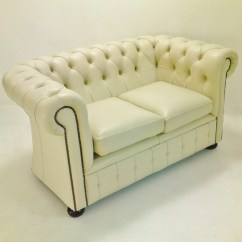 Loveseat Or Sofa Difference Jasa Cuci Cianjur The Between Chesterfield Couch And Settee
