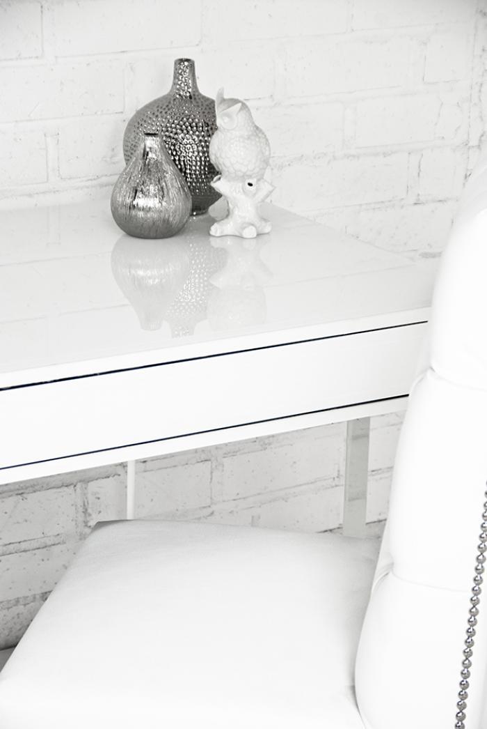 wwwroomservicestorecom  London White Starfire Glass Desk