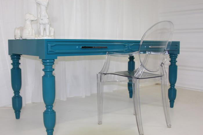 South Beach Desk in Turquoise