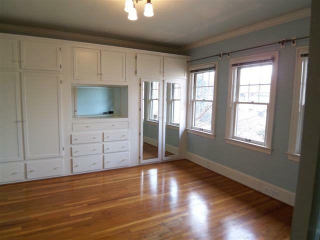 Staging a 1924 Portland Oregon Condo to Appeal to the