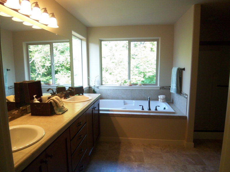 Home Staging Tips Make your Master Bath Irresistible to Buyers