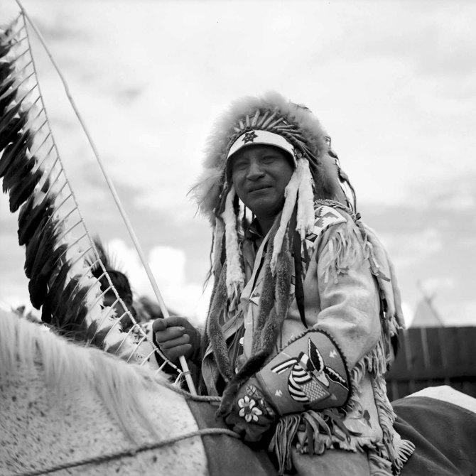 A Warm Springs Indian chief at the Molalla Buckeroo. Molalla, Oregon. 1936.