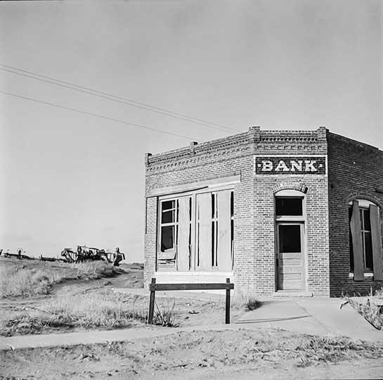 The bank that failed, Kansas. 1936