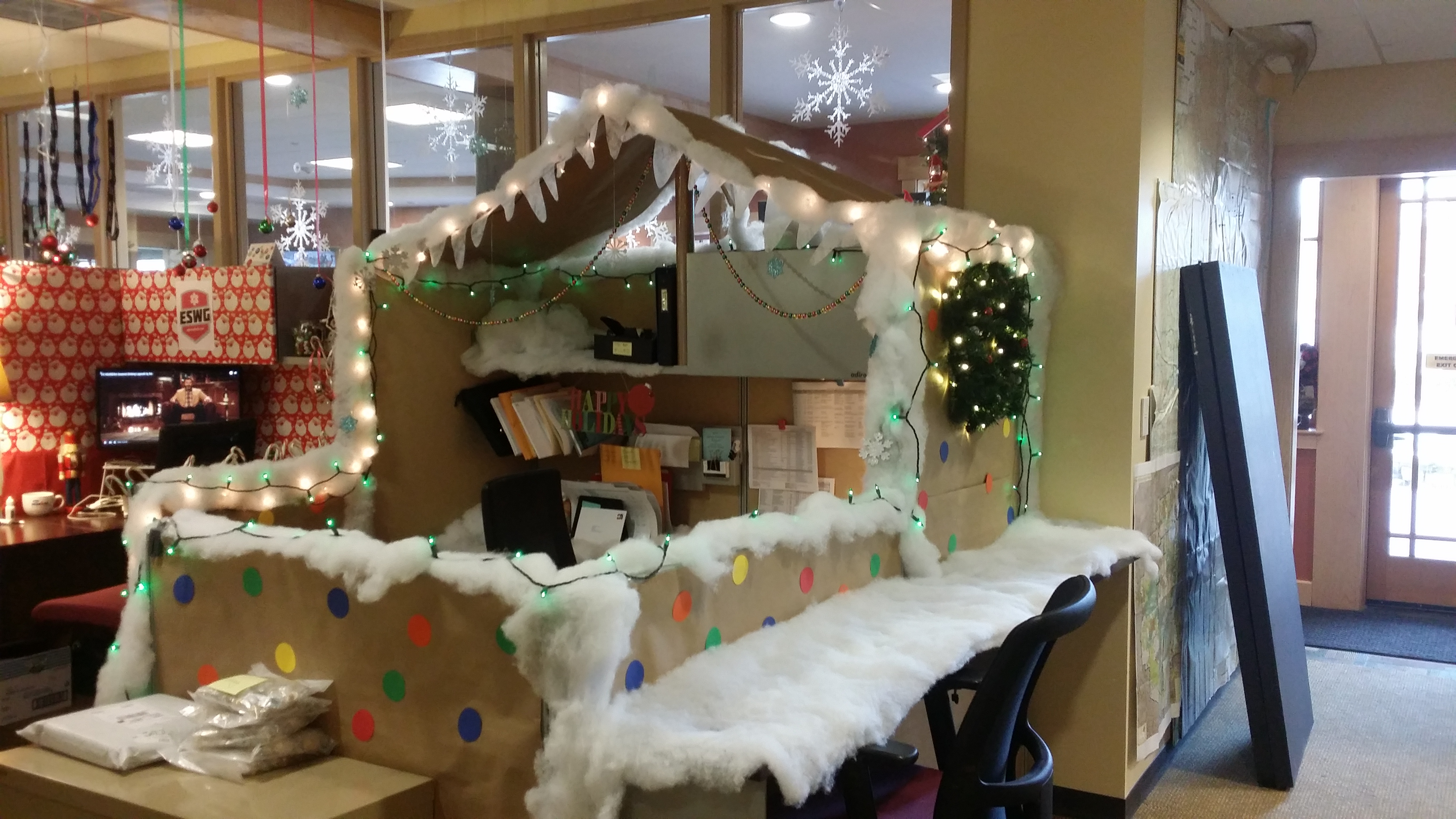 ROOST announces winners of cubicle decorating contest  Regional Office of Sustainable Tourism