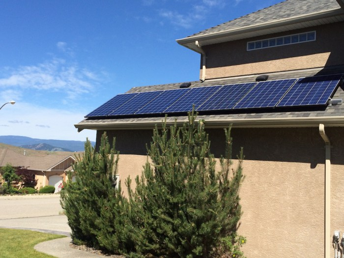 2KW Side of Garage solar