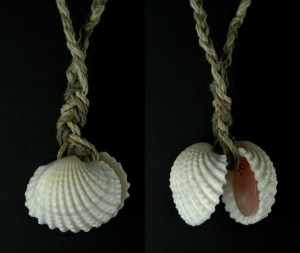 shell-locket-brown-pink