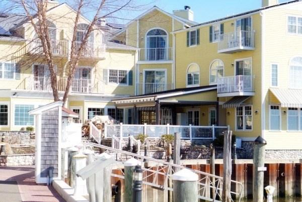 Fresh Salt Fare & Luxury Stay at Saybrook Point Inn