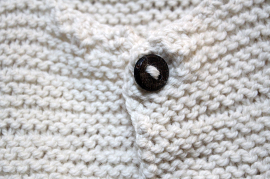 Stricken Auf den Nadeln Juni Knopf button knit diy waldorf