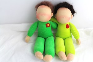 Puppen ohne Gesichter