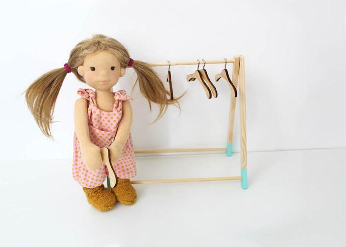 Puppenkleiderbügel