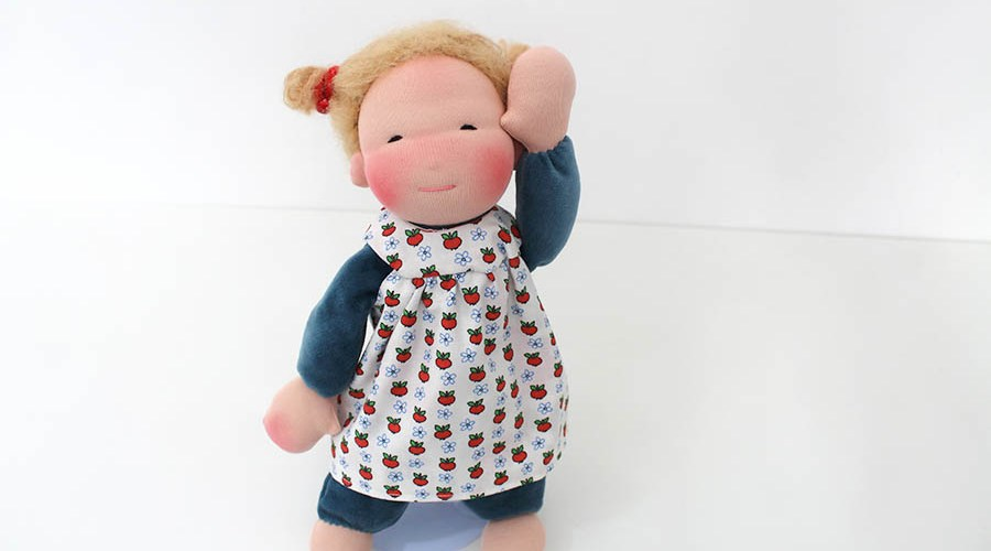 Wendekleidchen Puppe