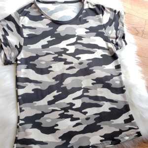 Camiseta Militar Gris