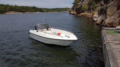 Båt til fluefiske