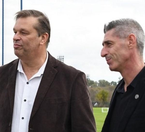 Concina, junto a D'Amico. Los dos dirigentes más visibles de la comisión leprosa.