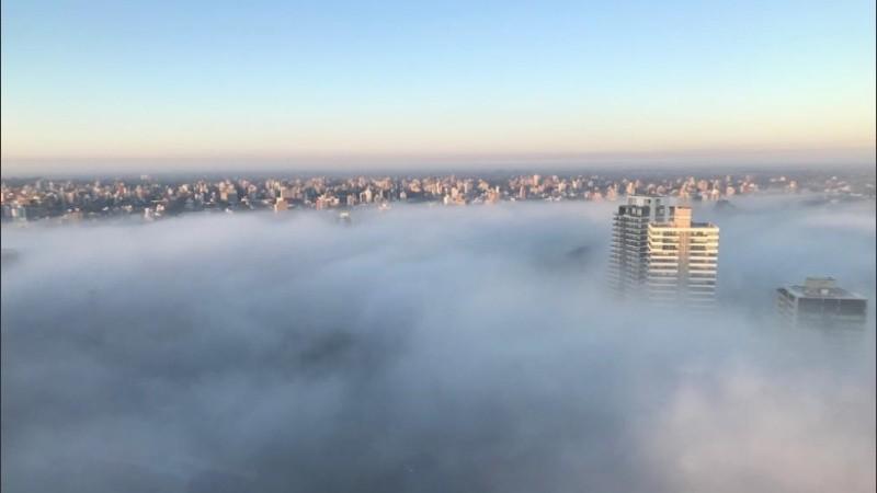 Rosario envuelta en niebla