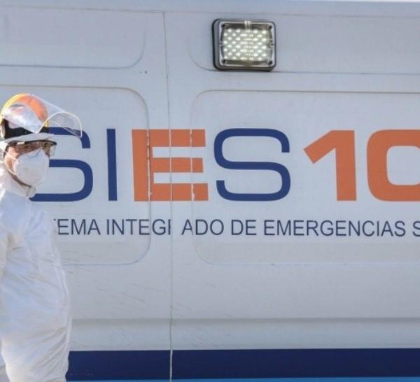 La espera de ambulancias en sanatorios preocupa en Rosario.