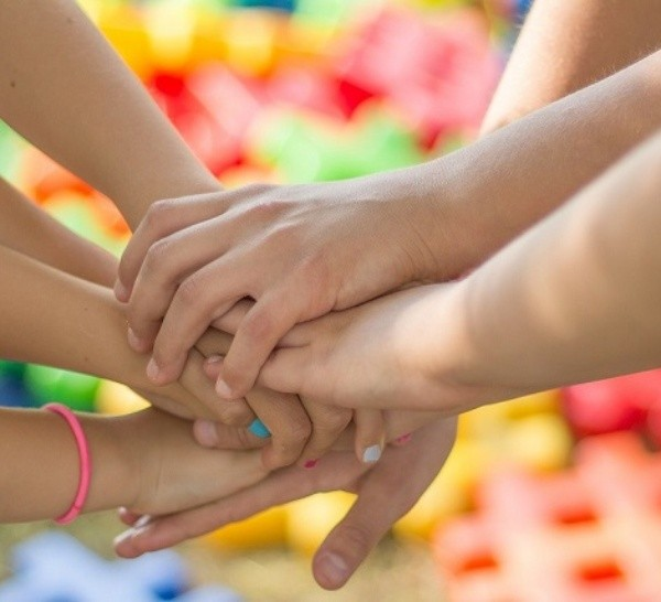"""Proyecto """"Abrazar recuerdos"""" de niñas y niños de Rosario"""