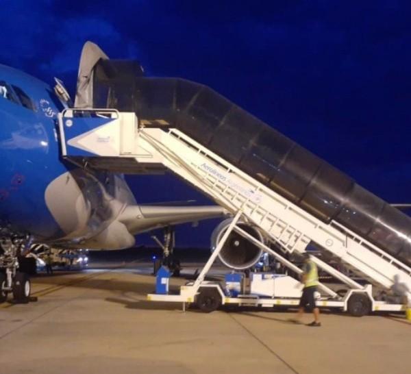 Éste es el tercer vuelo que Aerolíneas realiza a Moscú para traer vacunas.