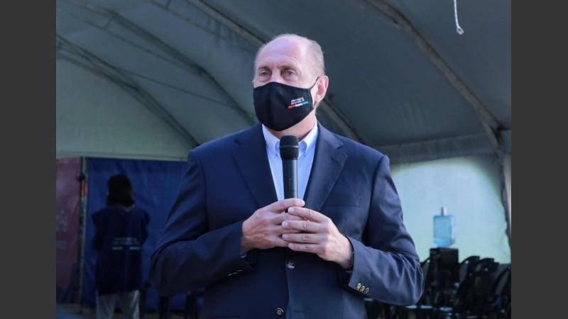El gobernador compartió declaraciones con la ministra Martorano.