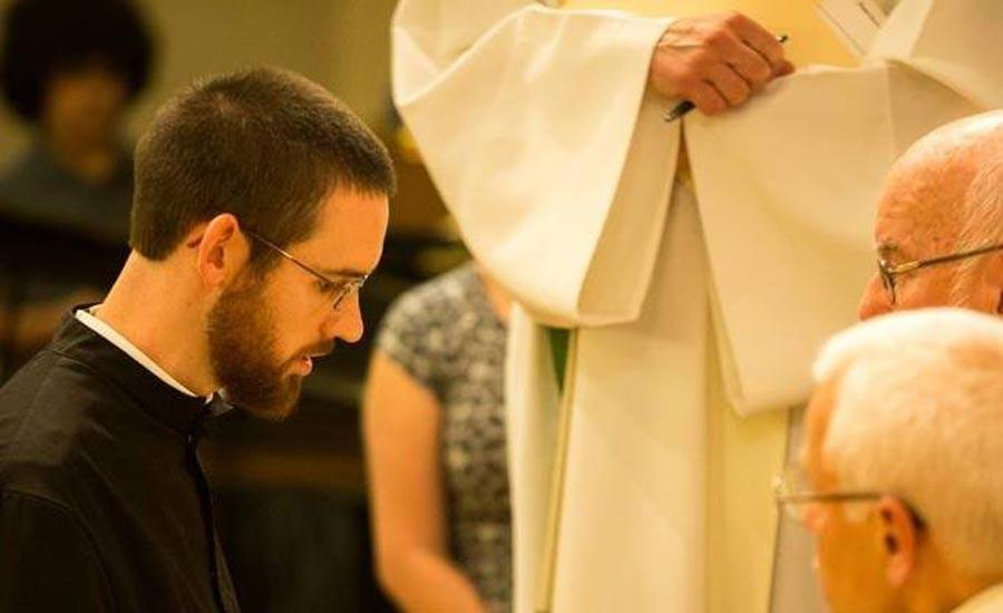 Zach Rathke, Congregación de Santa Cruz