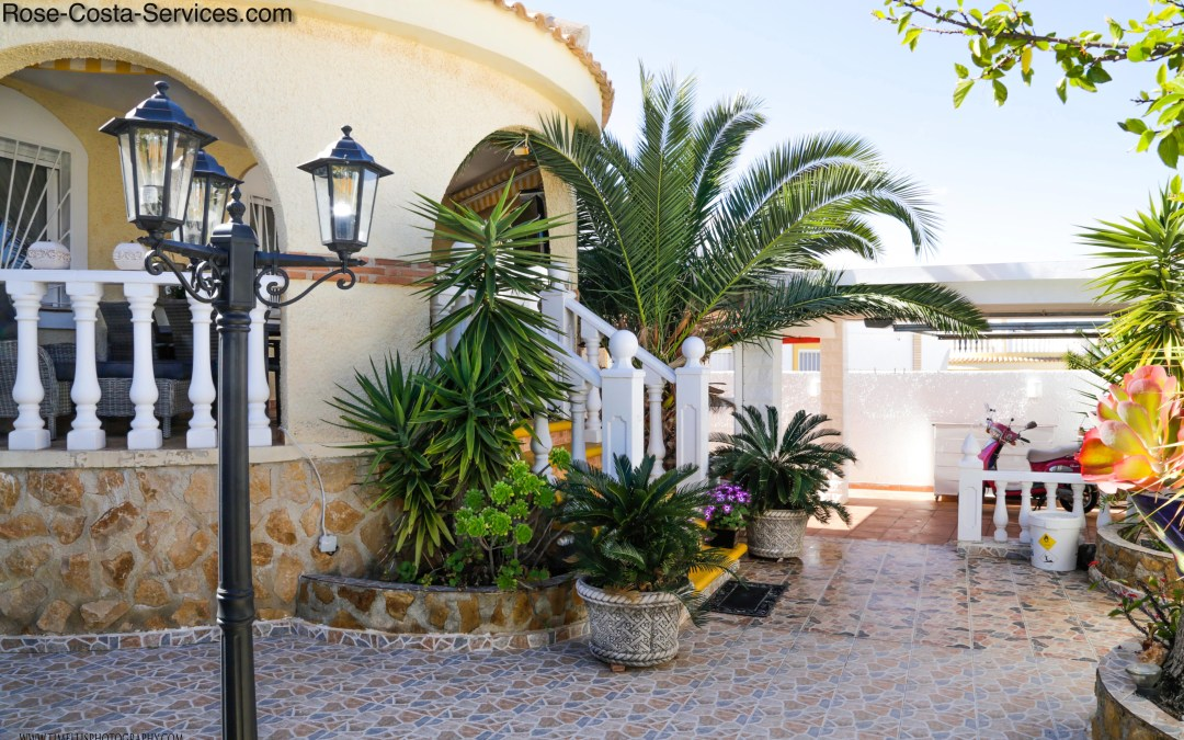Beautiful Villa, 2bed,2bath, with private pool in Gran Alacant (GAcH) now €209.000,-(also vacation rent)