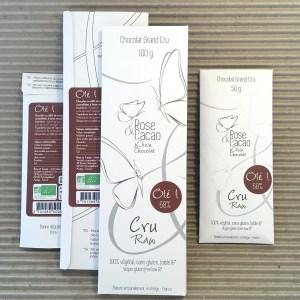 Tablette de chocolat cru bio 68% de cacao aux noix de pécans caramélisées