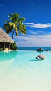 Pantone Spring 2017 Island Paradise - Tahiti | https://www.roseclearfield.com
