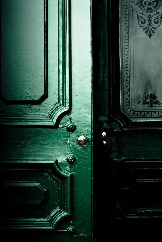 Green Door Keitha aravis121 on Flickr https://www.flickr.com/photos/aravis121/2970308168 | http://www.roseclearfield.com