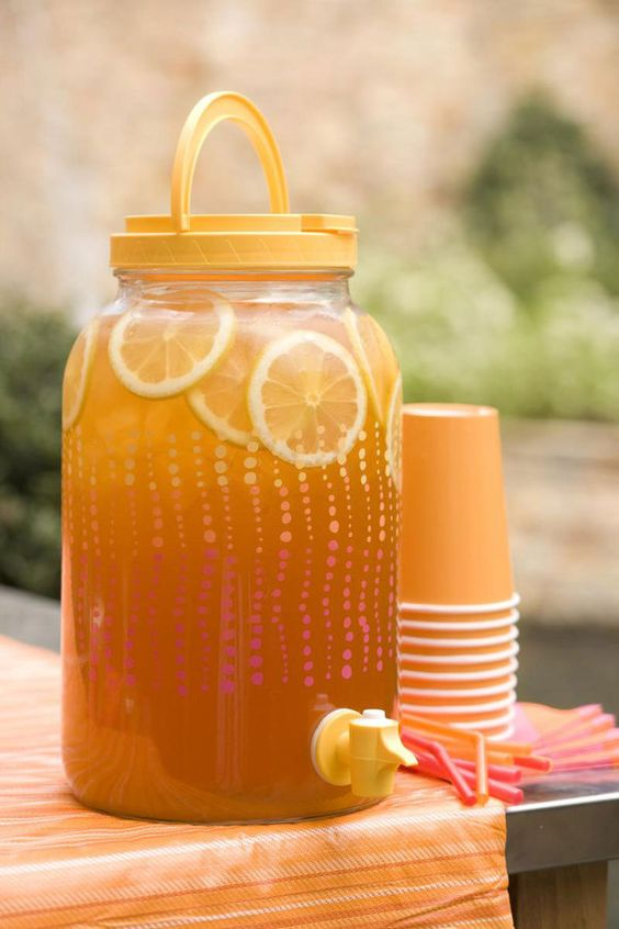 Memorial Day Inspiration - Spiked Arnold Palmer via Southern Living | http://www.roseclearfield.com