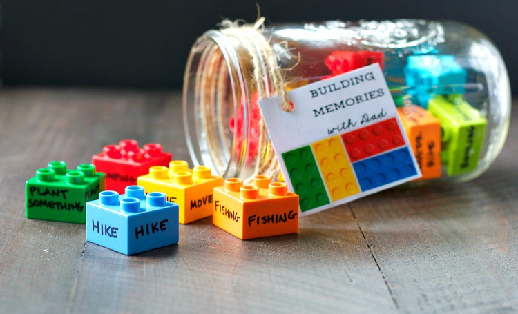Last Minute DIY Father's Day Gift Ideas - Building Memories with Dad via The Seasoned Mom | http://www.roseclearfield.com