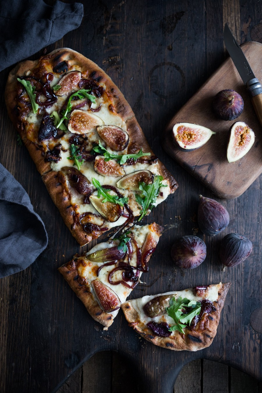 30 Days of Healthy Grilling Recipes - Grilled Fig Pizza with Balsamic Onions and Gorgonzola via Feasting at Home | http://www.roseclearfield.com