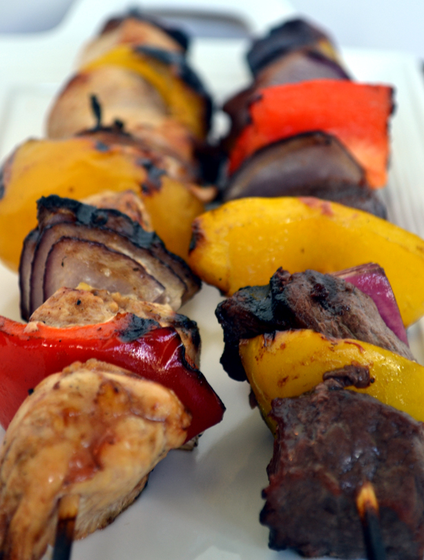 30 Days of Healthy Grilling Recipes - Steak and Chicken Kabobs via Extraorindary BBQ | http://www.roseclearfield.com