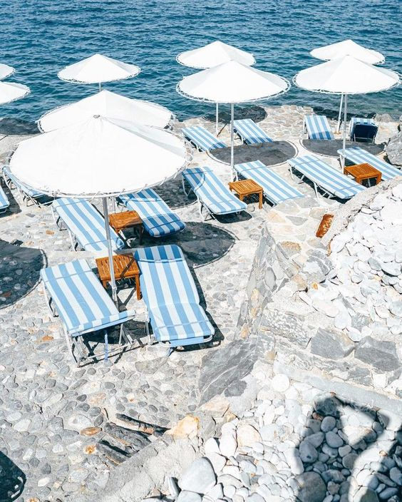 Summer Inspiration - Striped Beach Chairs via belenhostalet on Instagram | http://www.roseclearfield.com