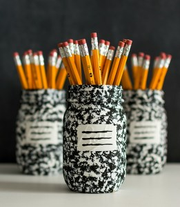 DIY Back to School Mason Jar Teacher Gifts - Composition Book Mason Jar via Mason Jar Crafts Love | http://www.roseclearfield.com