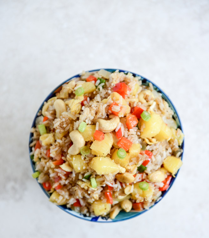 Back to School Healthy Lunches for Adults - Pineapple Cashew Fried Rice via How Sweet Eats | http://www.roseclearfield.com