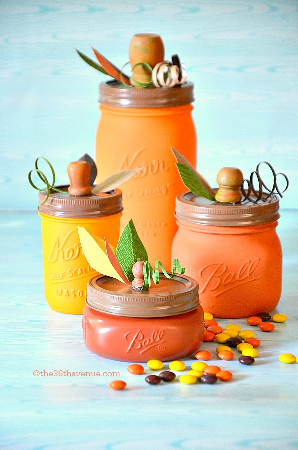 DIY Halloween Mason Jar Decor - Pumpkin Mason Jars via The 36th Avenue | https://www.roseclearfield.com